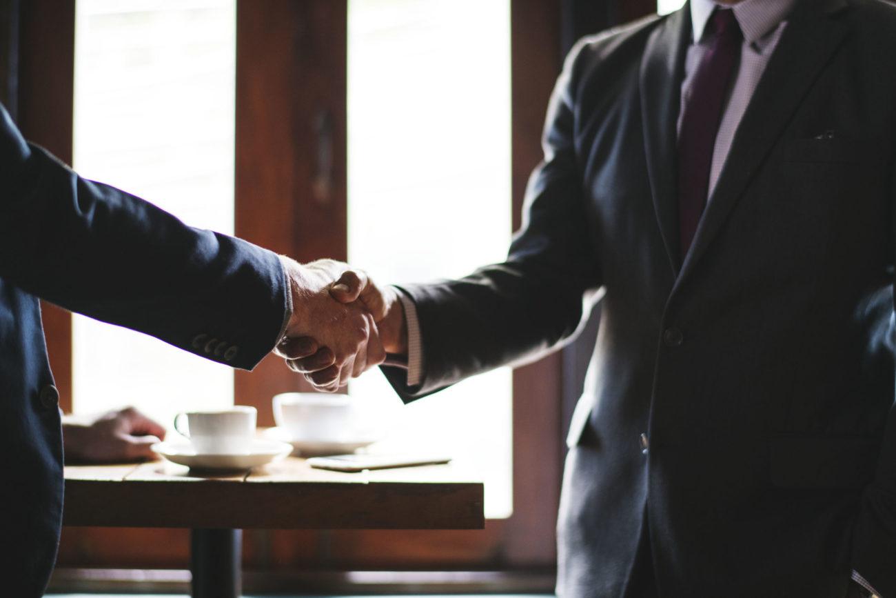 hollandalı düzenleyici, i̇ngiliz kumar komisyonu ile mutabakat zaptı imzaladı